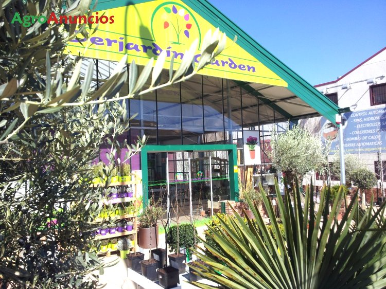 Venta y reparaci n de invernaderos y for Centros de jardineria en madrid